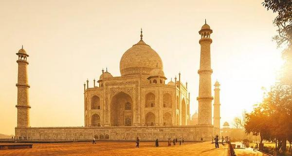 Experience Sessions by the Taj